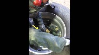 How to polish the Inner part of an aluminum rim - Aluminum polishing Transport truck