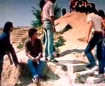 colegas,eloy de la iglesia...Comienzo de pelicula..1982