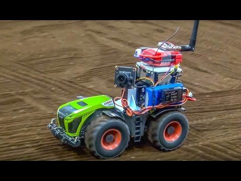 RC EXTREME! Tractor with FPV system in 1/32 scale!
