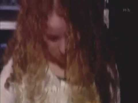 Tal Wilkenfeld awesome solo..