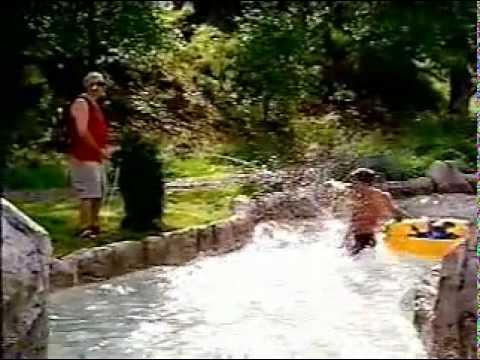 Divertido video de ciego orinando sobre los turistas