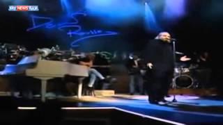 وفاة المغني ديميس روسوس