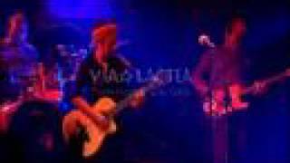 Watch Amparanoia La Vida Te Da video