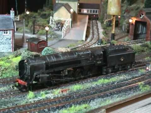 YouChoos Hornby 9F DCC sound. lights. smoke. crew. detailing. weathering