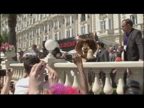 "euronews cinema - ""Madagascar 3: Bons baisers d'Europe"" débarque à Cannes"