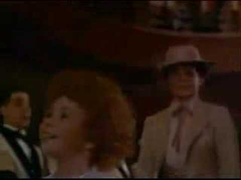 Annie (1982) - Let's Go To The Movies