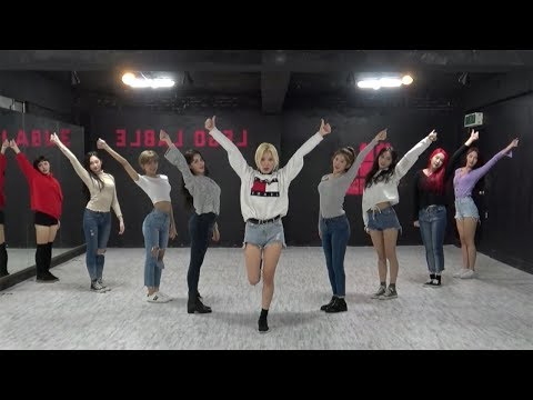 開始Youtube練舞:BBoom Bboom-MOMOLAND | 線上MV舞蹈練舞