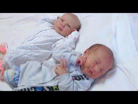 Двойняшки Тимофей и Алина. Выписка из роддома.