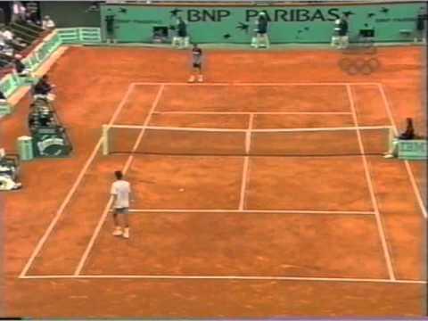 Kuerten vs フェレーロ 2001 全仏オープン pt 4 of 7