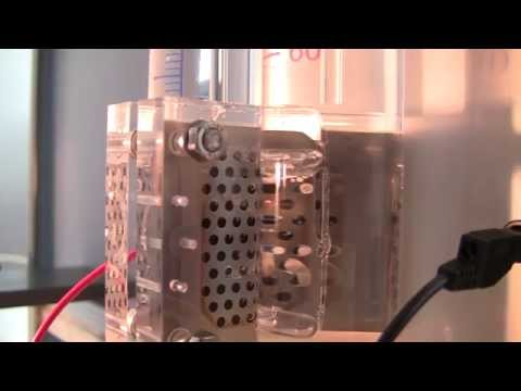 hydrogen gas producing by sunlight and distilled water