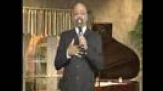 Watch Mississippi Mass Choir I Bowed On My Knees video