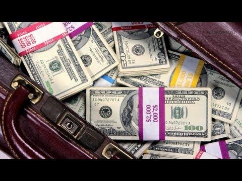 Радислав Гандапас об отношении к деньгам