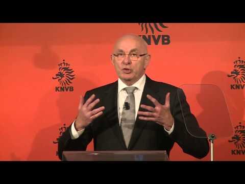 Van Praag presenteert strijdplan