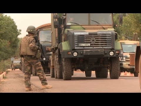 French, Malian troops seize northern Islamist towns