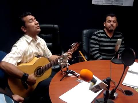 DUO DE CANTANTES ALEX Y MANE EN MCB GUADALAJARA.MPG