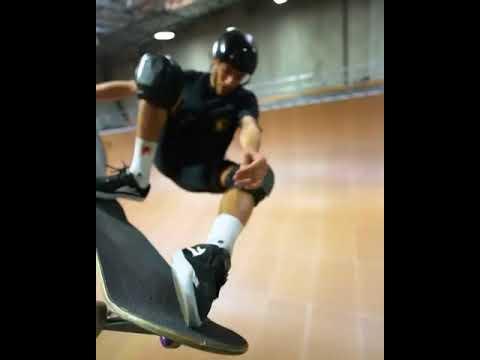 Frontside Ally Oop by @jimmy_wilkins 🎥: @bobbybils | Shralpin Skateboarding