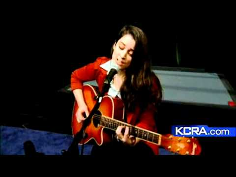 Lindsey Pavao Performs 'chapel' video