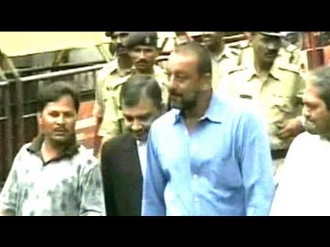 Sanjay Dutt gets 5 years in jail for 1993 Bombay blasts case