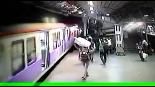 Railway accident at mumbai-dadar