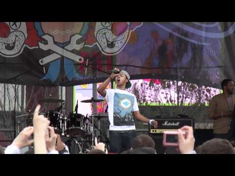 Diggy Simmons - Great Expectations live at Bamboozle 2011