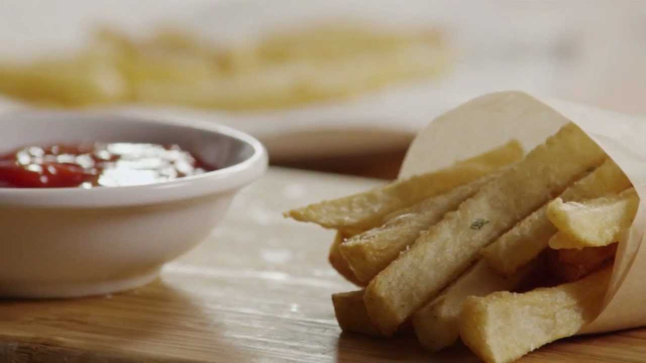 How to Make Homemade Crispy Seasoned French Fries - YouTube