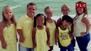 Coordinating Outfits for the Whole Family | 7 Little Johnstons