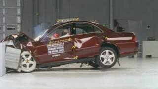 2000 Lincoln LS moderate overlap IIHS crash test