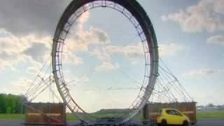 Giro de 360º verticalmente (Loop) con un auto Toyota Aygo