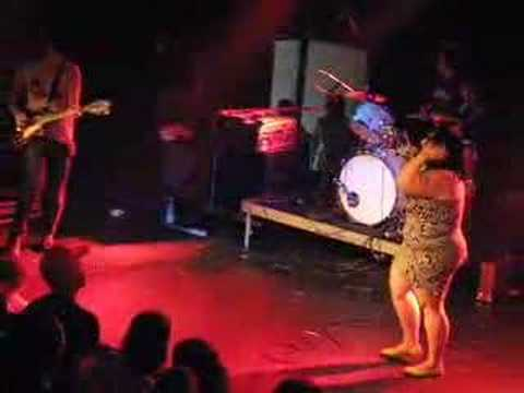 The Gossip - Jealous Girls - live 2007