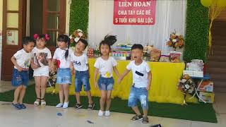 Lễ tốt nghiệp mẫu giáo trường làng của Trần bảo Hân