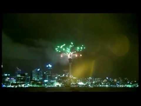 Yeni Zelanda 2015'E Giren İlk Ülke Oldu. new zealand 2015 hello