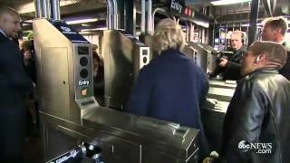 Hillary Clinton Couldn't Figure Out How To Use Her Metro card On Subway