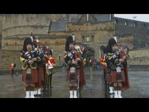 Stv Scotland - The Royal Scots Dragoon Guards Perform At Edinburgh Castle video