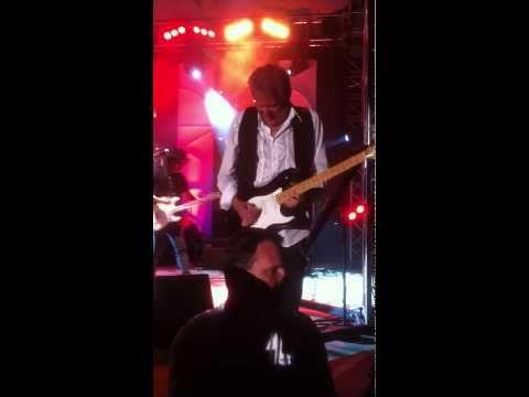 Eagles' Don Felder live playing Take it Easy