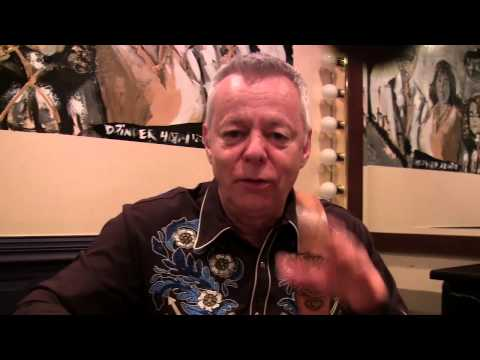 Tommy Emmanuel Top Guitar Tips: Tuning