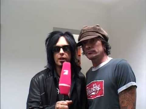 Nikki Sixx and Tommy Lee  - Motley Crue Backstage