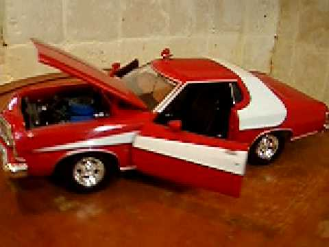 1/18 Ford Gran Torino POLICE w/ Lights Diecast