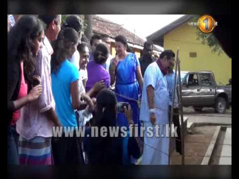 08th January 2015 - President Mahinda Rajapaksa casts his ballot