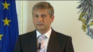 video fr.euronews.com/ El número de países cuyos políticos han anunciado que no asistirán a la Eurocopa aumenta por momentos. Austria, Bélgica y Croacia se ...