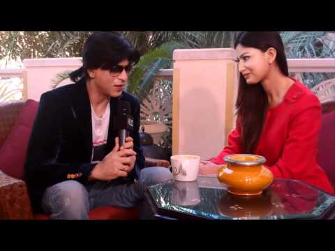 Uma Ghosh Deshpande with Shah Rukh Khan in Dubai for Don 2
