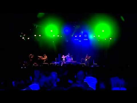 The Gossip - Love long distance (live@ Reading Festival 2009) HQ