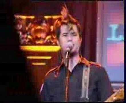 Dewa - Cinta Gila (Live - tur Selalu Terdepan Yamaha)