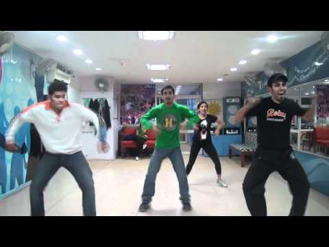 Desi Boys Bollywood Dance By Lotus Dance Academy Seniors video