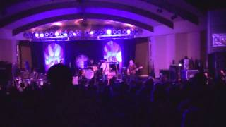 Watch Drive-by Truckers Dancin