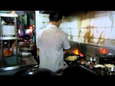WOK Cooking at a Fine Chinese Restaurant Cafe in Jiande City, Xin'anjiang