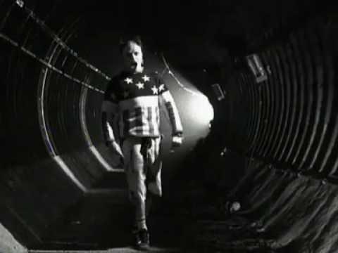 The Prodigy - Firestarter (Official Music Video)