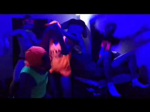 Lincoln College Swim Team Harlem Shake