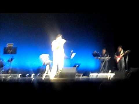 Koi Humdum Na Raha Live by Amit Kumar