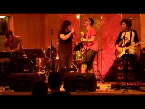 RUANG BAND - IRIS(Goo goo dolls cover) live at.kfc kemang