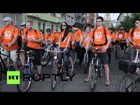 Hungary: On your bike! Thousands ride for improved cycling conditions in Budapest